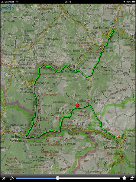 …où le trajet est reconnu et lutilisateur, localisé (point rouge) : simple, propre, efficace.